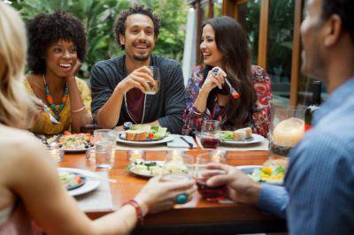 bon repas entre amis